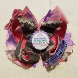 Small boutique stacked bow